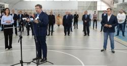 Minister sportu wręczyła przedstawicielom klubów z woj. łódzkiego symboliczne czeki