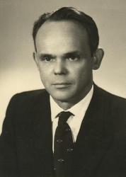 Józef Piekarski (w liście do nas, w r. 1996) wspominał dawne lata