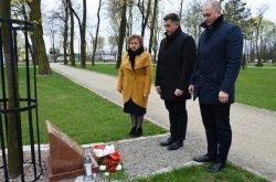 Hołd ofiarom zbrodni katyńskiej