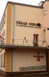 Zastępca burmistrza, sekretarz miasta, skarbnik miasta nie byli w składzie władz Konstantynowa Łódzkiego w roku 2019 (i nie są w r. 2020)